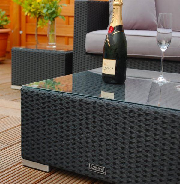 Lounge Sofa Narvik - sg - Beistelltische Nahaufnahme